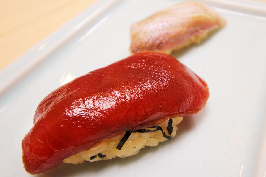 江戸時代と現代の握り寿司の比較